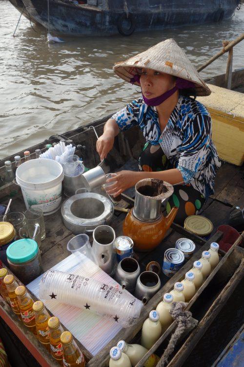 Ausflug ins Mekong und unerfreuliche Bekanntschaft mit einem Local
